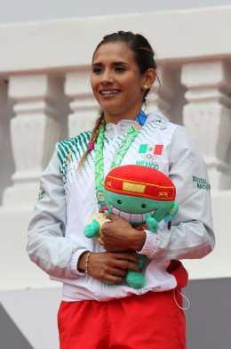 Zudikey Rodríguez se lleva el oro en Veracruz 2014 400m vallas