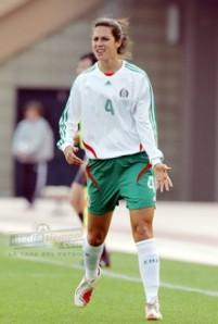 Tercer lugar con la Selección Femenil en las Copas de Oro 2002, 2006.