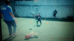 FOTO: Tere Campos (archivo personal) en su casa entrenando niños