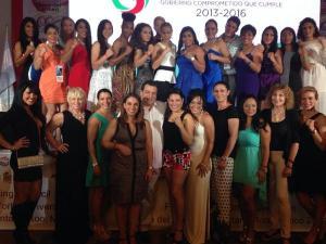 Campeonas boxeadoras del mundo se dieron cita en la Convención Mundial Femenil