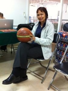 Elsa Flores estrena oficina en el COM