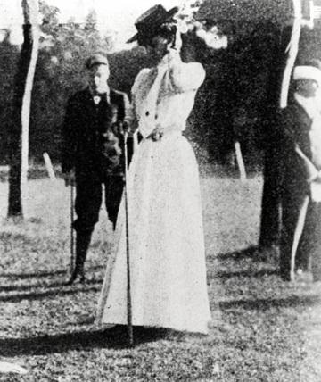 Margaret Abbott, 1900